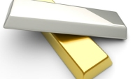 Gold Runs Up On Progress In US Stimulus; Silver Close To Rs. 70000/Kg