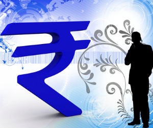 Rupee sheds 31 paise; falls despite positive equities
