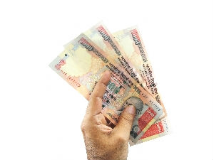 Plastic currency notes to be introduced on trial basis