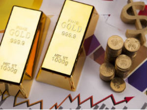 Gold trades steady in the absence of major cues