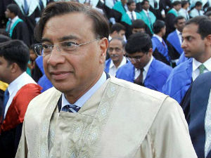 Lakshmi Mittal takes 38% cut in salary