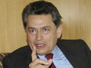 Rajat Gupta loses last bid to avoid jail