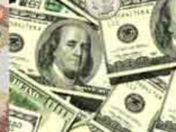 Rupee Falls 8 Paise Against Dollar in Early Trade