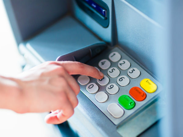 Debit or Credit Card Stuck in Machine? Here is What To Do