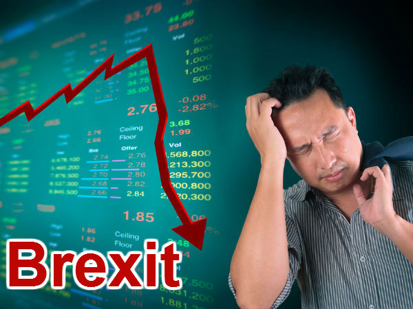 Brexit Blues Moody S Cuts Uk S Rating Outlook Negative