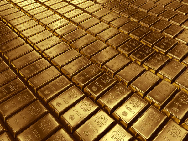 Gold Lower On Firm Equities, Dollar