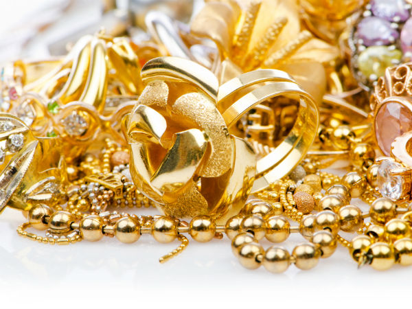 Gold Tops Rs 31,000-Mark On Global Cues, Jewellery Buying