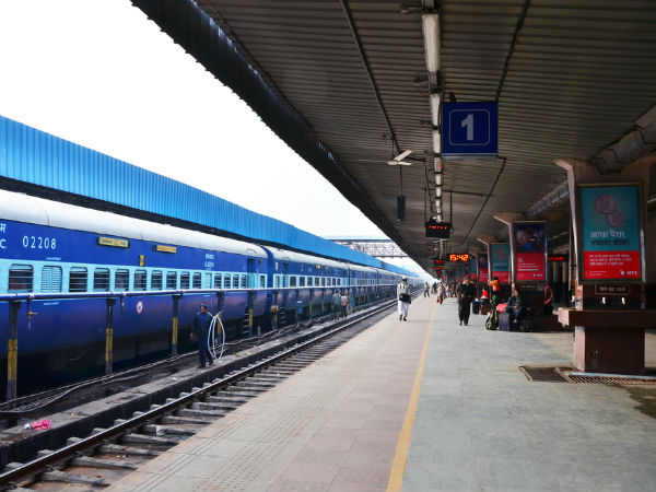 Indian Railways Signs Deal With CFTRI For Hygienic Food To Passengers