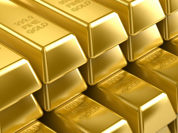Gold Rises As US Dollar Continues Decline