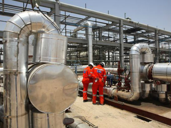 India to Raise 77% Oil Refining Capacity by 2030