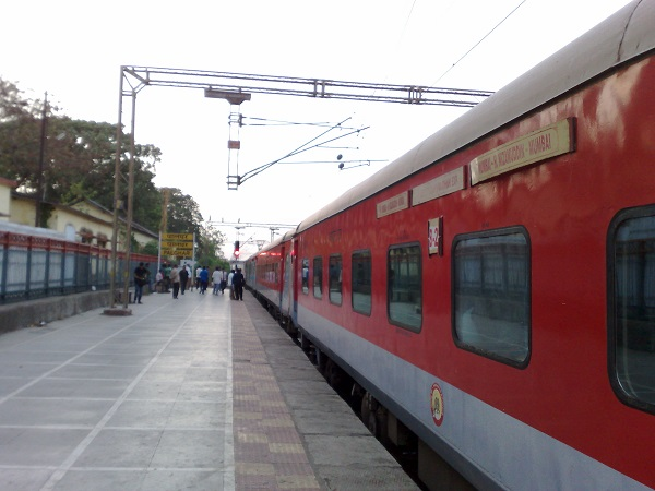 Women Now Get More Reserved Seats In Rajdhani & Doronto's 3-Tier AC Coaches