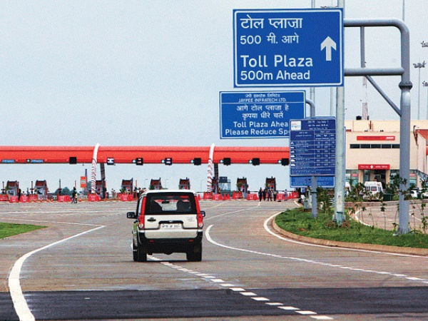 Toll Plaza Payments Will Soon be Automated to Prevent Long Queues