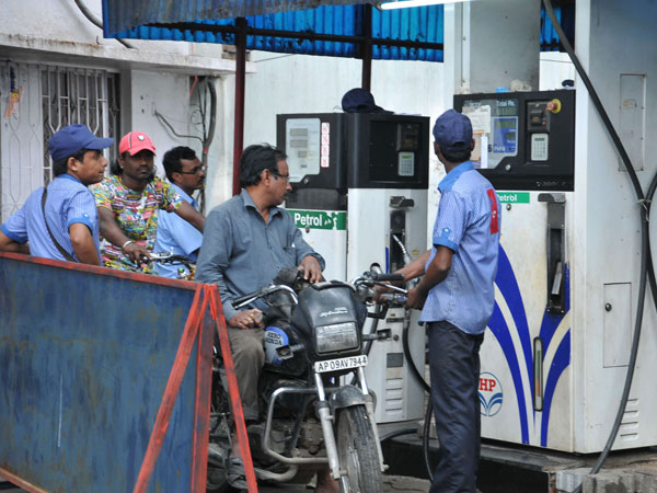 Fuel Price Rises Even As Crude Declines On Economic Slowdown
