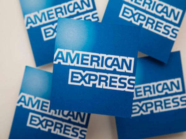 7 Reasons Why You Should Get an American Express Credit Card