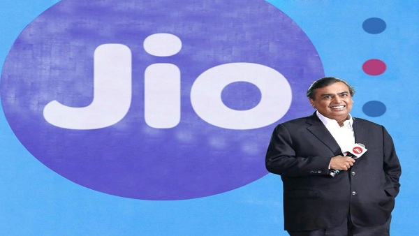 Reliance To Launch Green Energy Business of Rs 75000 Crore in the Next Three Years