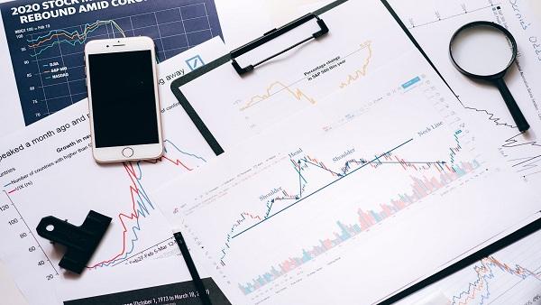 Zomato Shares Crash 7%, Should You Buy The Stock?