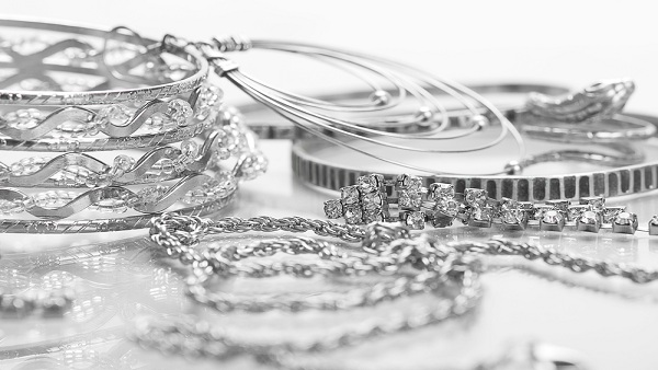 Different options for investing in silver