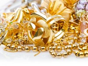 Gold Regains Rs 31k Level On Global Cues