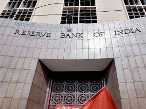 Rbi Provide Rs 1 Lakh Crore March Offset Cash Crisis