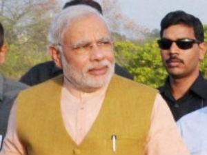 Narendra Modi Meets Pranab Mukherjee Discusses Issues Related 2014 Budget