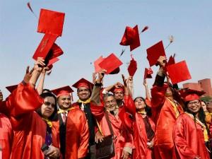 As Cost Education Rises Unpaid Student Loans Surge