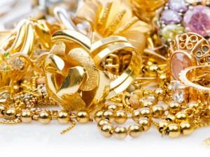Gold Futures Fall Trades Below Rs 25k Mark