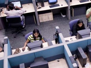 Hike Da One Crore Employees Pensioners Benefit