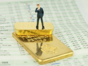 Gold Regains Its Sheen With Global Rout Stock Markets