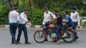 New Motor Vehicle Act Around 5 000 Challans Issued Per Day By Delhi Police