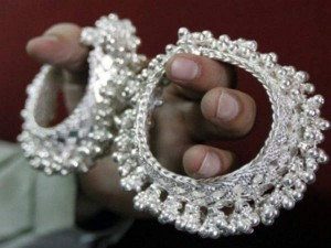 Silver Prices Jump Rs 8000 In 3 Days White Metal May Surprise You With Faster Gains