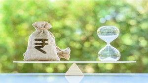 Should You As A Senior Citizen Invest In Special Fd Schemes Of Banks