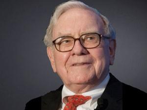 On Dumping Aviation Stocks, Trump Says Even Buffett Makes Mistakes