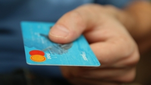 How Can A Student Or An Unemployed Person Get Credit Card In India?
